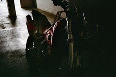 Hot ride (khai_nomore) Tags: street classic film 35mm raw olympustrip35 reallife rm davidbailey fujifilmsuperia200 autaut dzuiko40mmf28