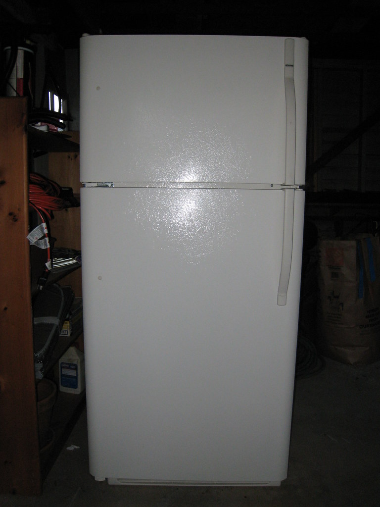 Kenmore 18.2 cu. ft. Top Freezer Refrigerator