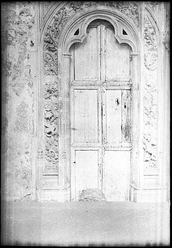Puerta Gótica en 1907. Fotografía de Roy Lucien. Société Française d'Archéologie et Ministère de la Culture (France), Médiathèque de l'architecture et du patrimoine (archives photographiques) diffusion RMN