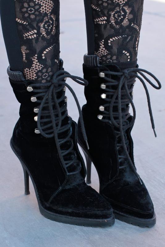 lace_shoes