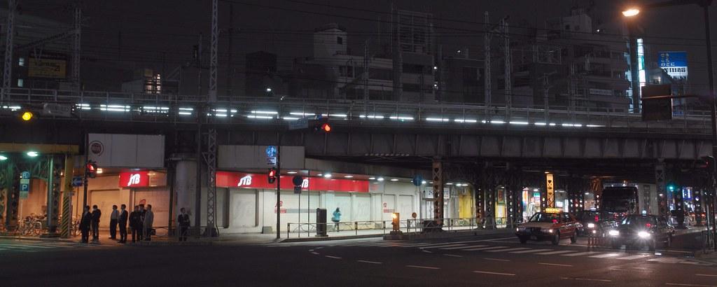 JR kanda station crossroad