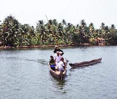 Alappuzha (Alleppey)  Backwaters (Thomas Constable) Tags: india kerela alleppey