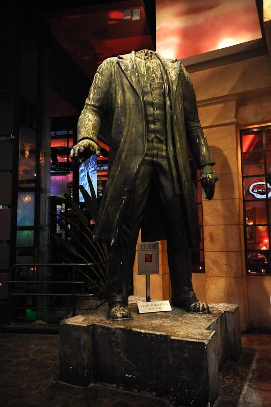 Lenin at Red Square - Mandalay Bay - Las Vegas (by MKD Photography)