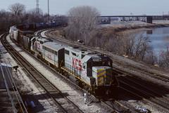 KCS 4008 E 12th St 12/91 (Sneebly) Tags: kcs gp382 atsf trainsaroundkansascity slugset