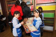Maierus_027 (Dreptul de a Citi) Tags: otpbank copii carti europafm marceliures jurnalulnational campaniesociala