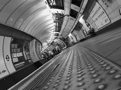 Insufficient Funds (Douguerreotype) Tags: uk gb britain british england london underground tube metro subway platform tunnel bw blackandwhite mono monochrome city urban transport