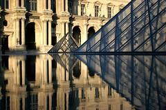 Reflets au Louvre (olivier.ghettem) Tags: paris france pyramidedulouvre lelouvre louvre architecture pyramide reflets reflet bâtiment musée muséedulouvre
