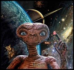 """IO SAR SEMPRE QUI..."" (The PIX-JOCKEY (visual fantasist)) Tags: cinema celebrity art photoshop painting movie star earth space joke alien fake ufo fantasy vip photomontage saturn universe et cosmic extraterrestrial fotomontaggi robertorizzato pixjockey spielgerg"