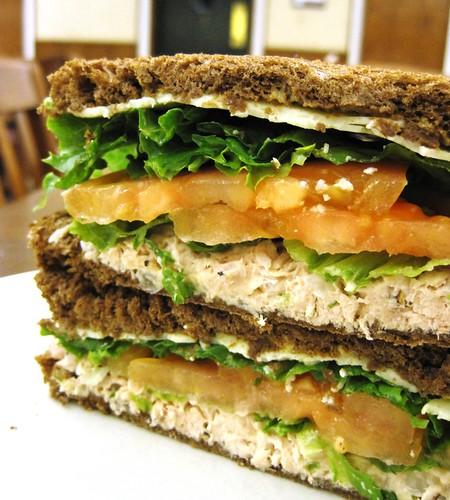 Ratty Gourmet: Tuna Salad Rye Sandwich