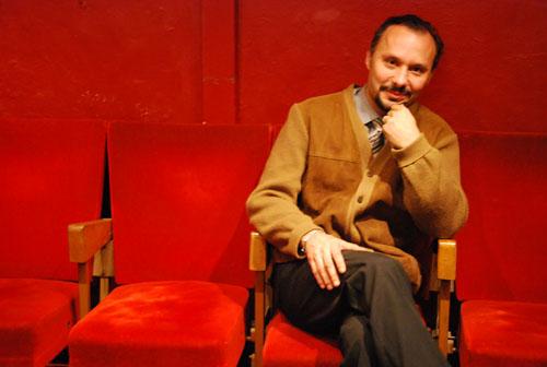 Le metteur en scène bordelais Stéphane Alvarez dirige depuis onze ans le théâtre du Pont Tournant