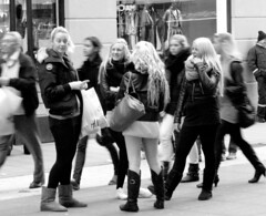Swedish girls! (missis_jones (almost back)) Tags: girls blackandwhite bw europa europe sweden stockholm schweden moose blond blonde sverige viking 08 pedestrianarea elch clich lg wikinger norrmalm urbancandid schwarzweis svartvita drottningsgatan