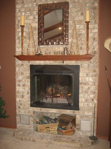 2009December09_Fireplace 002