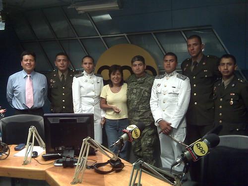 Una foto de promocion Militar