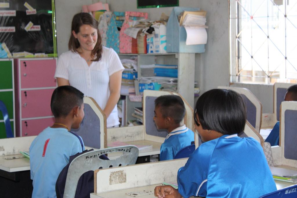 Children of Thailand get an education from Intern Haddie