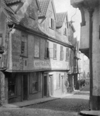 Norwich, Elm Hill, 1925 (mira66) Tags: blackwhite norfolk norwich oldphoto 1925 eastanglia elmhill