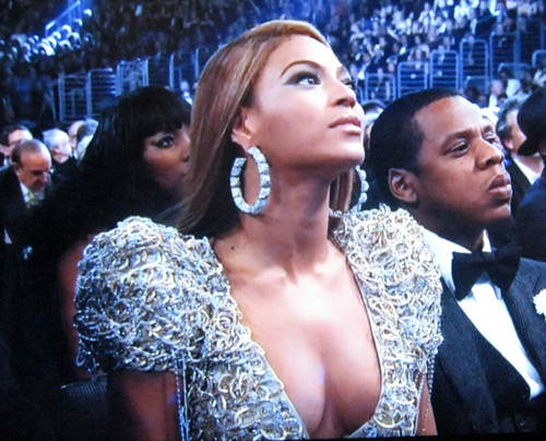 beyonce-boobs-grammys-2010