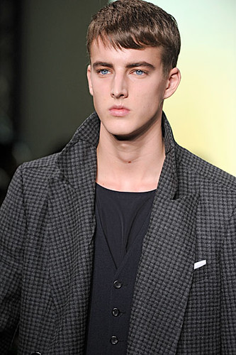 James Smith3029_FW10_Paris_Yves Saint Laurent(nikestav10@mh)