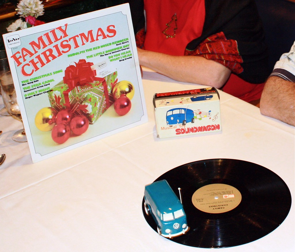 The Soundwagon ~ Christmas Tunes at Sea in the Dining Room