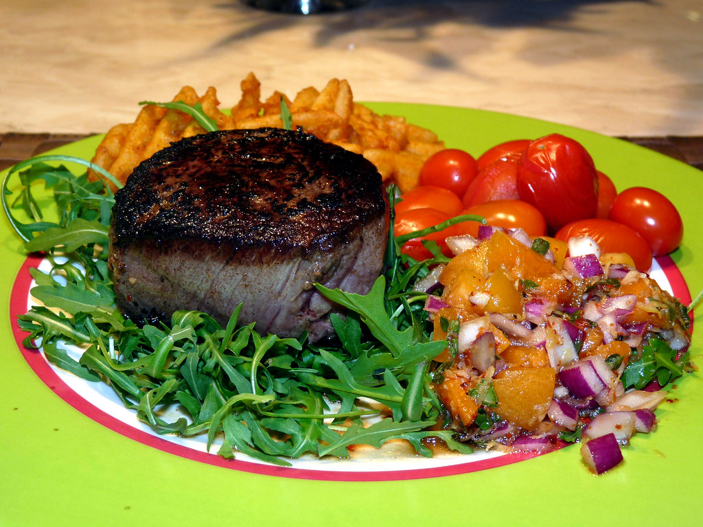 Fillet Steak with Spicy Apricot Relish