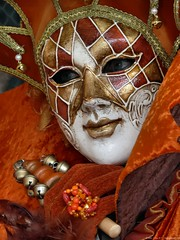 Carnival of Venice 2010 - First day (Nemodus photos) Tags: carnival venice portrait france veneza de costume mask di carnaval venetian venise carnevale venecia venezia italie masque 2010 carnavale dguisement venitien fz50  veneti venecija venetsia veneetsia carnavalvnitien  abigfave    veneia costums  nemodus mascherevenezianedallagodicomo  carnevaledivenezia2010 carnavaldevenise2010 venetianscarnival2010 2010 karnevalvonvenedig2010 karnevaluveneciji2010