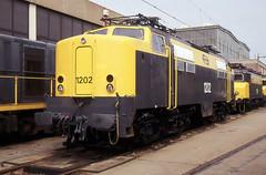 NS 1202 (HOMCN) Tags: train ns 1200 loc railways tilburg trein lok nsm wph