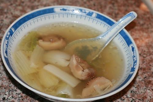 黄芽白煲雞湯