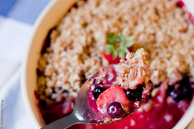 Strawberry & Blueberry Crumble