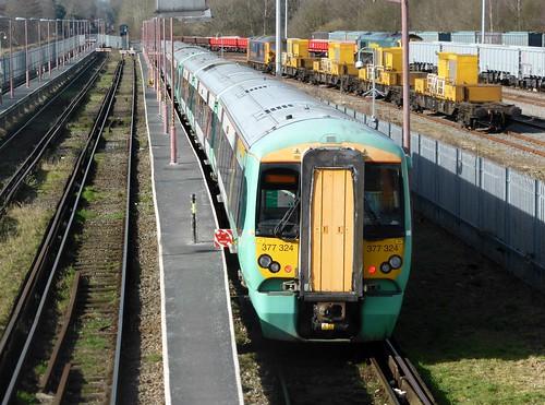 377324 at Tonbridge West Yard