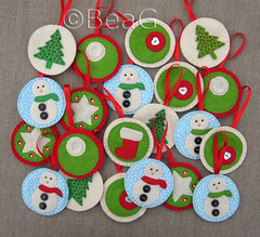 Felt Christmas Ornaments (Kersthangertjes van Vilt) (Made by BeaG) Tags: christmas blue winter red white green set happy design handmade unique circles felt collection ornaments christmasdecorations snowmen round series christmasdecoration handsewn christmastrees snowwhite christmasdecor kerst christmasornaments rond vilt cirkels beag kerstversiering kerstdecoratie handgemaakt feltornaments christmasdesign kersthangertjes creativechristmas kerstversieringen designedandmadebybeag ontworpenengemaaktdoorbeag craftingwithfelt knutselenmetvilt knutselenvoorkerst craftingforchristmas feltchristmasornaments kersthangertjesvanvilt creativechristmasdecoration
