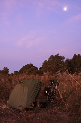 Morning camp in Los Alcázares, north of Cartagena.