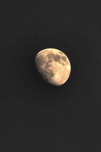 Moon 28/11/09,Ikomayama