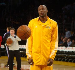 Lamar Odom Suffers Kardashian Kurse, Dumped by Mavericks