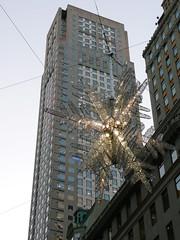 at 5th Avenue (SomePhotosTakenByMe) Tags: christmas city nyc newyorkcity usa newyork building architecture america weihnachten star manhattan urlaub 5thavenue midtown architektur christmasdecoration amerika stern gebäude innenstadt