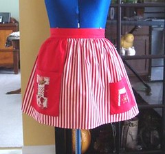 Vintage Red Stripes Half Apron (MonkeyandMeFrills) Tags: red white kitchen fruit vintage stripe apron cotton bow accessories etsy patches serving flourishes halfapron hostessapron flourisheshome patchpockets
