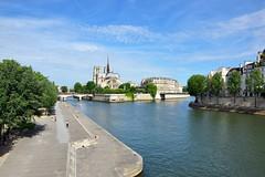 seine (Ingvar_Sv) Tags: paris seine river notredame esplanade laseine esplanadedesinvalides quaibranly nikond90 nikkor1685mm