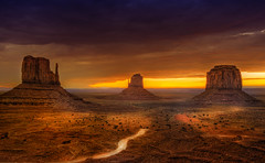 postcard (Wolfgang Staudt) Tags: travel red summer arizona sky usa mountains beautiful yellow clouds sunrise landscape utah spring amazing nikon sandstone butte desert nikond70 sigma 2006 northernarizona wilderness navajo monumentvalley vacancy navajoreservation soe lonelyness coloradoplateau navajoindianreservation blueribbonwinner navajonation travelphotographie din abigfave tsbiindzisgaii wolfgangstaudt sigmaaf4561020dchsm platinumphoto anawesomeshot colorphotoaward impressedbeauty skycloudssun 66111 superhearts tribehorizon goldstaraward