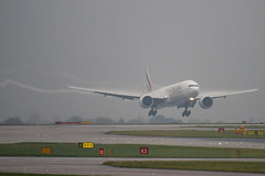 A6-EBL - 32709 - Emirates - Boeing 777-31HER - Manchester - 081126 - Steven Gray - IMG_2753