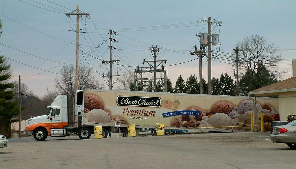 Unloading the Reefer Truck 1