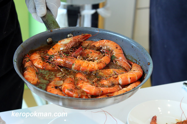 Gambas al Txoko de Inmanol (Shrimp sauteed with onion and garlic)