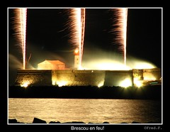 Brescou en feu! (fredf34) Tags: mer france port canon fire fireworks fort lumière couleurs explosion powershot explore capdagde phare feu artifice agde feudartifice languedocroussillon hérault fredf powershots3is s3is canons3is canonpowershots3is powershots3 brescou canon3is fortbrescou fredf34 fredfu34