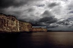 () Tags: color blanco portugal canon gris mar procesocruzado agua negro cielo nubes algarve rocas acantilados cabodesanvicente crossprocesing 400d