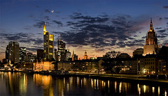 happy hour Frankfurt (vogualf) Tags: city urban skyline architecture night canon germany photography frankfurt frankfurtammain dresdner ffm