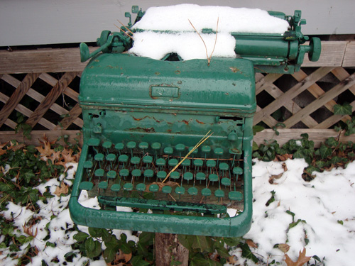 12-12-green-typewriter-2