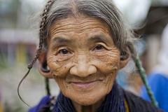 Arunachal Pradesh : Bangni tribe, portrait #2 (foto_morgana) Tags: portrait woman india asia earring olderwoman nishi arunachalpradesh seppa eastkameng bangnitribe nishitribe bangni