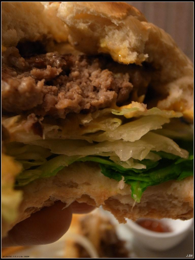 主廚特製漢堡剖面