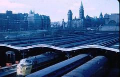 Union Train Station,Ottawa (reinap) Tags: canada ottawa trains trainstation parliamentbuildings uniontrainstation