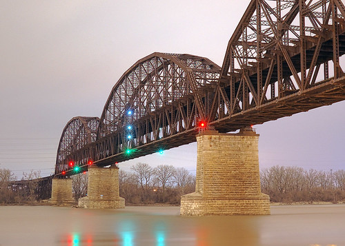 MacArthur Bridge, in Saint Louis, Missouri, USA - view at night