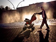 Cochecito (Nesta Vazquez) Tags: street plaza baby car square calle sevilla child seville bebe alameda niño cochecito