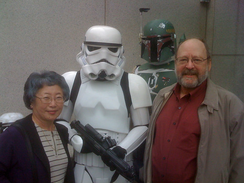 Parents guarded by 501st