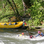 """Rescue training on the White Salmon <a style=""""margin-left:10px; font-size:0.8em;"""" href=""""http://www.flickr.com/photos/25543971@N05/4411729182/"""" target=""""_blank"""">@flickr</a>"""